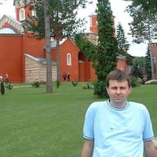 Vladimir Superhost házigazda.