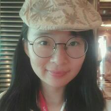 Yiyun is the host.