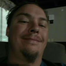 Profil korisnika Russell