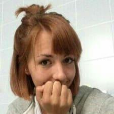 Monika的用户个人资料