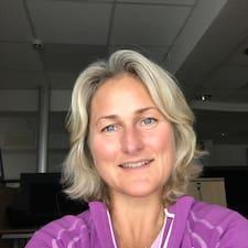 Linda B. User Profile