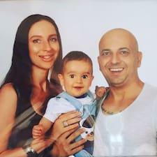Tarık & Oksana est un Superhost.