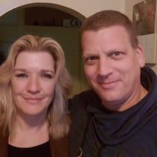 Profil Pengguna Gerda & John