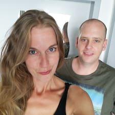 โพรไฟล์ผู้ใช้ Danielle