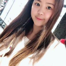 โพรไฟล์ผู้ใช้ Chi Ying