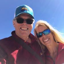 โพรไฟล์ผู้ใช้ Suzanne And Tony