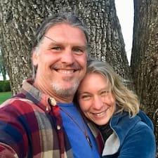 Lindya & Tom User Profile