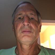 Wayne felhasználói profilja
