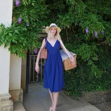 Julia's profile photo