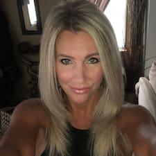Carolann User Profile