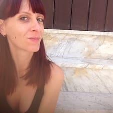 โพรไฟล์ผู้ใช้ Cristiana
