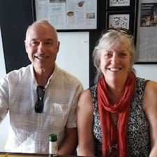 John & Carolyn è un Superhost.
