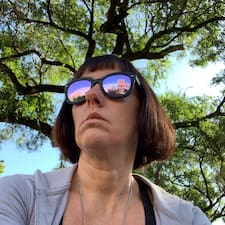 Потребителски профил на Sarah