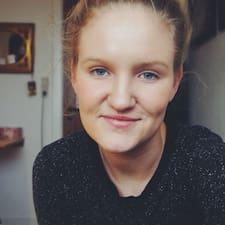 Emma Victoria felhasználói profilja