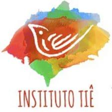 Profil Pengguna Instituto