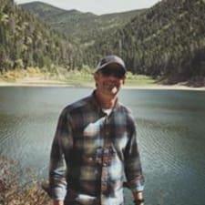 Brad felhasználói profilja