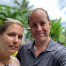 Profil Pengguna Helene & Jeff