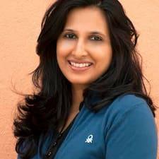 Pavithra är en Superhost.