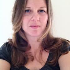 Profil Pengguna Desiree