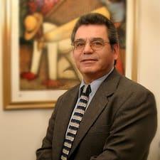 โพรไฟล์ผู้ใช้ Carlos Manuel