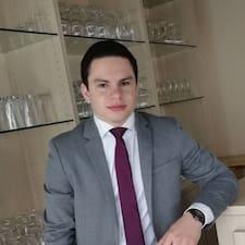Mathieu Superhost házigazda.