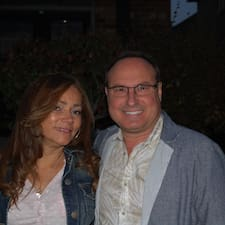 Profil Pengguna Andre, Janet