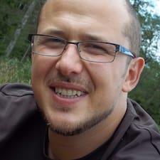 Thomas felhasználói profilja