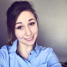 Janine felhasználói profilja