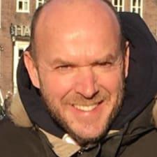 Pierre-Emmanuel felhasználói profilja