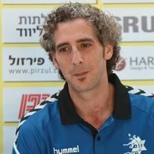 โพรไฟล์ผู้ใช้ Yoav