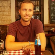 Profil Pengguna Sándor