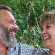 Keith & Rhonda's profile photo