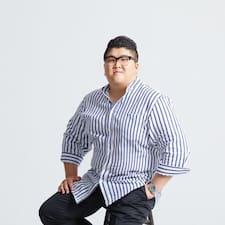 Henkilön Yongwoo käyttäjäprofiili