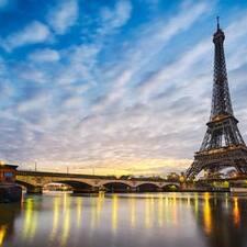 โพรไฟล์ผู้ใช้ Paris