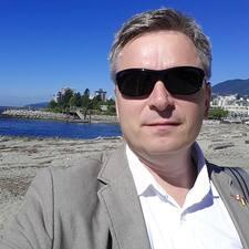 โพรไฟล์ผู้ใช้ Claus Theil-Dallaire
