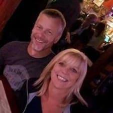Susan And Dale felhasználói profilja