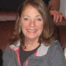 โพรไฟล์ผู้ใช้ Jeanette Susan Joan