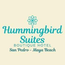 Hummingbird Home é um superhost.