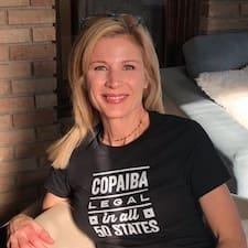 Carolyn Brugerprofil
