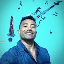 Profil Pengguna Roberto Tadashi