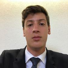 Henkilön Adrian käyttäjäprofiili