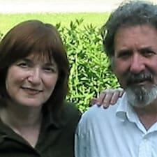 Bob & Karen is a superhost.