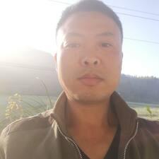 国伟 User Profile
