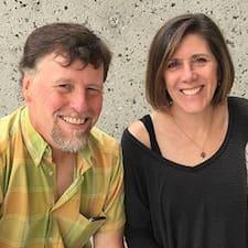 Laurie And Jim est un Superhost.