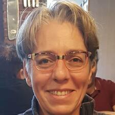 Henkilön Anne-Claire käyttäjäprofiili