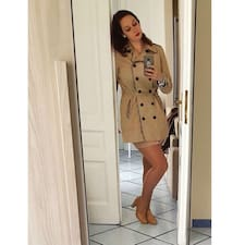 Profil Pengguna Maria Cristina