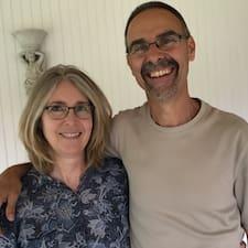 Profil Pengguna Mark & Tanya
