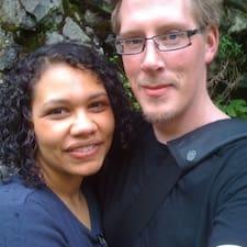 โพรไฟล์ผู้ใช้ Melissa & Jeremy