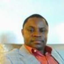 Andy Ighodalo est un Superhost.