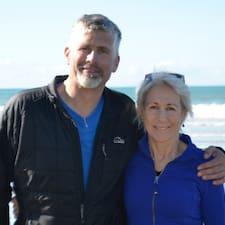 Cynthia And Mark es SuperAnfitrión.